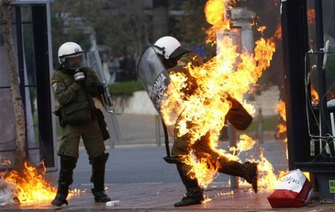 fire,greece,police,protests,2008,anarchy-f635f23b21659bb5380996961d45d08a_h